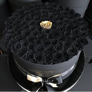 Коробка 101 черная роза R827
